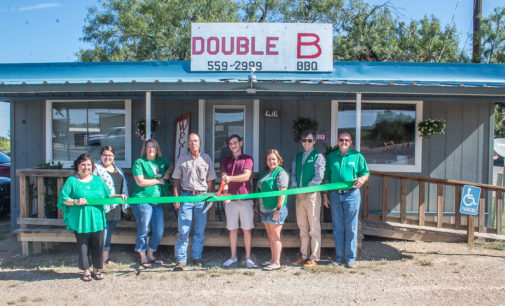 Double B BBQ holds ribbon cutting