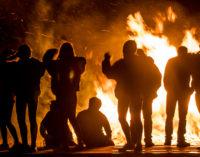 Breckenridge boosts Buckaroo spirits with bonfire