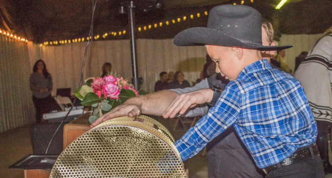 Chamber of Commerce hosts annual banquet, auction