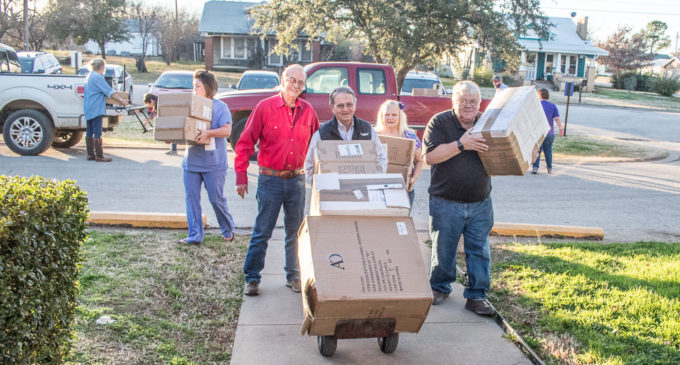 Local Elks Lodge provides household items to Villa Haven residents