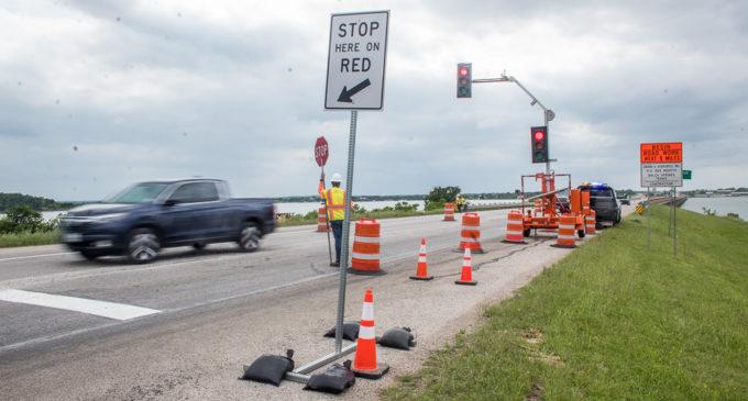 Temporary traffic lights posted on Mile-Long Bridge