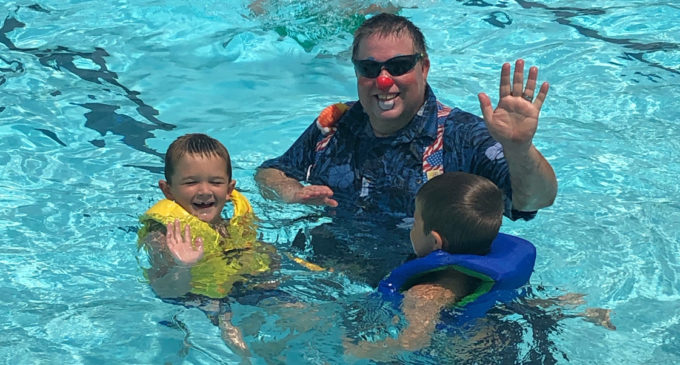 Clowns entertain, share water safety tips at Breckenridge pool
