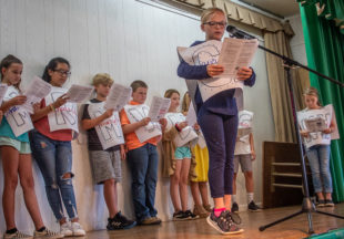 South Elementary fifth graders perform constitution play