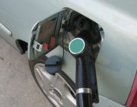 Petroleum expert: Gas prices should continue to drop