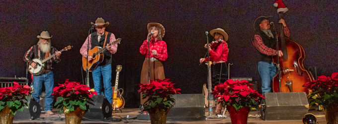 Flying J Wranglers entertain Breckenridge crowd with Christmas concert