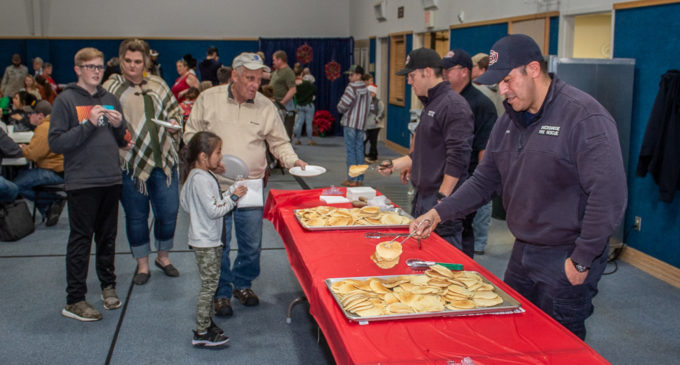 South Elementary hosts Pancakes with Santa fundraiser