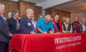 Breckenridge Mayor declares March as Texas History Month