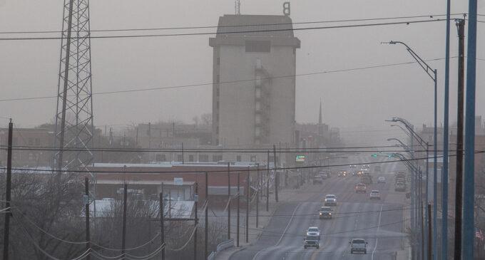 High winds bring West Texas dust to Breckenridge