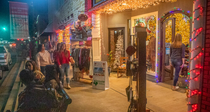 Annual Mingle and Jingle shopping event kicks off holiday season in Breckenridge
