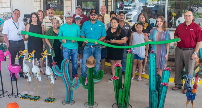 Ribbon-cutting ceremony officially opens Cactus Chic home décor shop