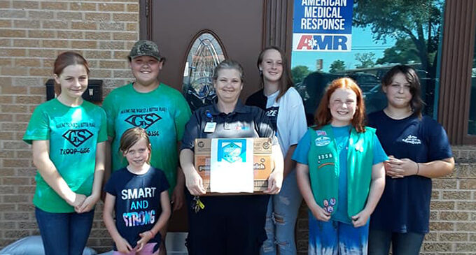 Breckenridge Girl Scouts deliver donated cookies to Hometown Heroes